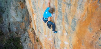 "Mayan Smith-Gobat wiederholt als erste Kletterin ""Punks in the Gym"" (8b+/5.14a)"