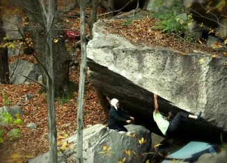 [VIDEO] Paul Robinson bouldert in der Schweiz