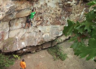 [VIDEO] Brett Perkins klettert Proper Soul (5.14a) im New River Gorge clean