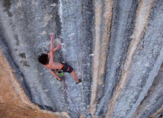 [VIDEO] Adam Ondra klettert Mind Control (8c+) in Oliana