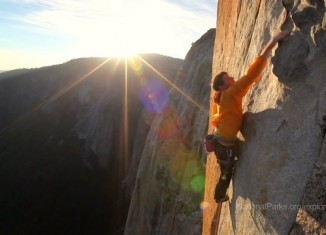 [VIDEO] Alex Honnold in Yosemite: National Parks Epic Challenge