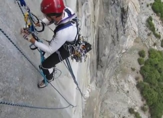 "[VIDEO] ""Zodiac"" (VI 5.7 A2/C3F) am El Capitan - Teil 2"