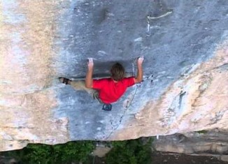 "[VIDEO] Chris Sharma in ""Realization"" (9a+)"