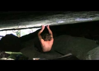 """[VIDEO] Daniel Woods in """"In Search Of Time Lost"""" (8C/V15)"""