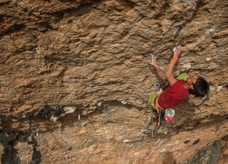 "Sachi Amma in ""Seleccio Natural Left Exit"" (9a) (c) Eddie Gianelloni / adidas Outdoor"