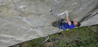 "Jonathan Siegrist Climbs The Old School Crimpfest ""Insurrection"" (8c/5.14b) (c) EpicTV"