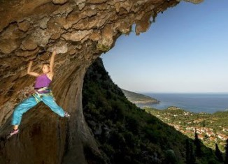 Angy Eiter Explores New Climbing Paradise: Kyparissi (c) Red Bull