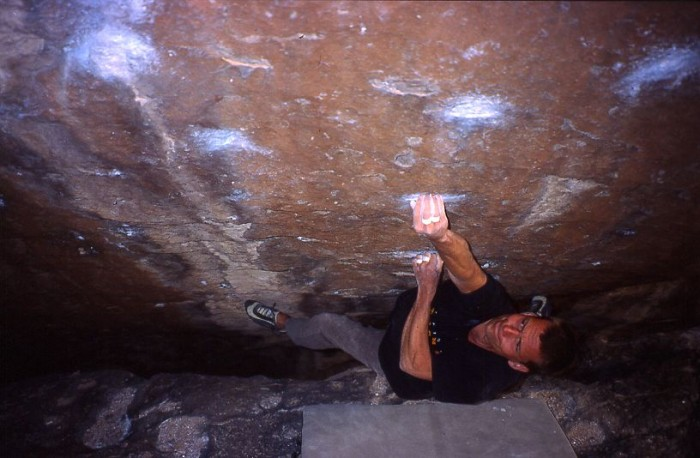 Martin Joisten in 'Mr. Serious' (V8) in Hueco Tanks, TX, USA (c) Archiv Joisten