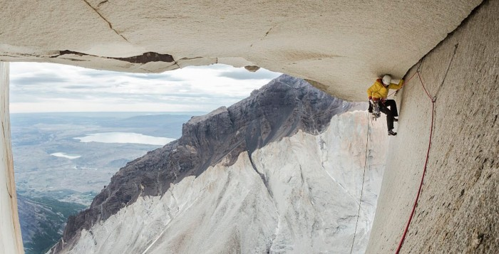 Riders On The Storm: Ines Papert und Mayan Smith-Gobat in Patagonien (c) Thomas Senf