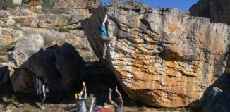 New Beginnings - Bouldering in the Rocklands of South Africa, 2016 (c) Derw Fineron