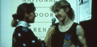 Susi Good beim Weltcup 1991 in Birmingham im Interview mit Shelly Presson (c) Martin Joisten