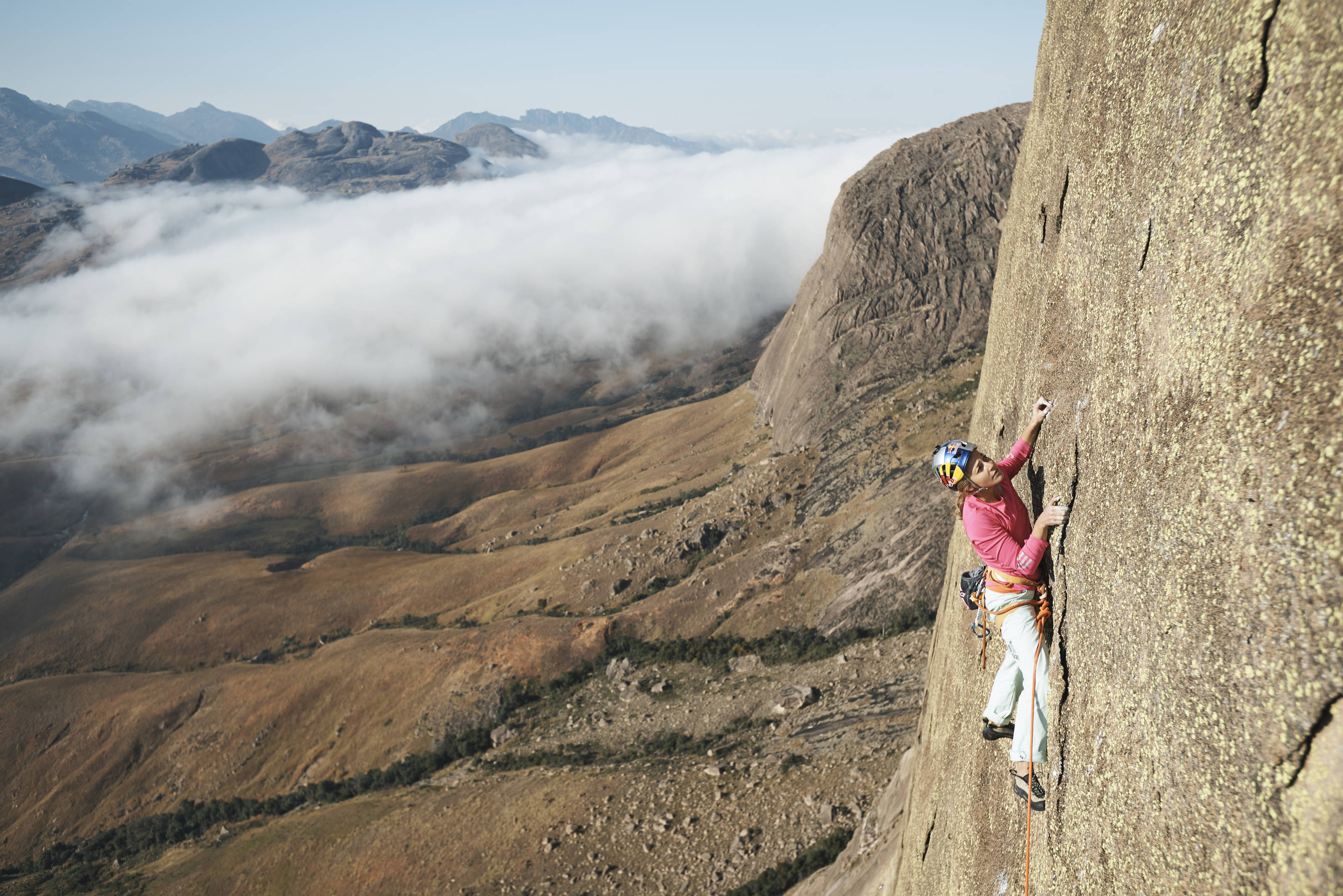 Sasha DiGiulian repeats Multi-pitch 'Mora Mora' (8c) (c) Francois Leabeau/Red Bull Content Pool