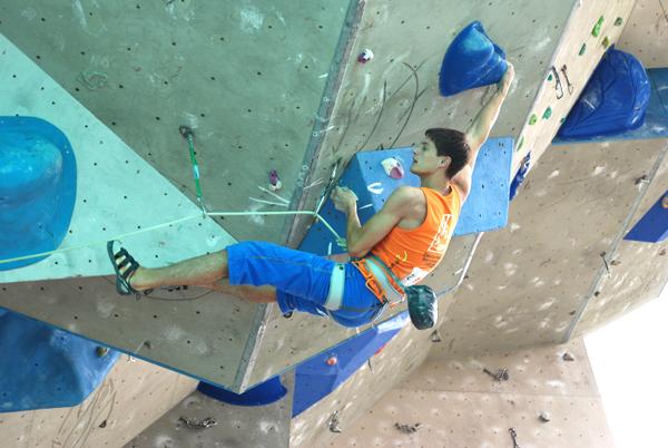 Kletterausrüstung Leipzig : Showdown beim deutschen sportklettercup in leipzig climbing