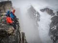 Leo Houlding und Team auf dem Gipfel nach der Mirror Wall (c) Berghaus, Matt Pycroft, Coldhouse Collective