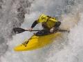 Olaf Obsommer auf einem der gefährlichsten Wildwasserflüsse der Welt, dem Stikine in British Columbia. (c) Darin McQuoid