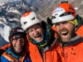 Die Freude in ihren Gesichtern: Stephan Siegrist, Julian Zanker und Thomas Huber sind am Ziel auf 6155 Meter! (c) Timeline Productions