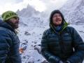 Julian Zanker und Thomas Huber im ABC Lager. Sie haben es geschafft! Gestern standen sie auf dem Gipfel, danach war der Berg tief verschneit! (c) Timeline Productions