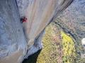 Alex Honnold klettert durch die Enduro Corner der Freerider Route am El Capitan (c) Jimmy Chin