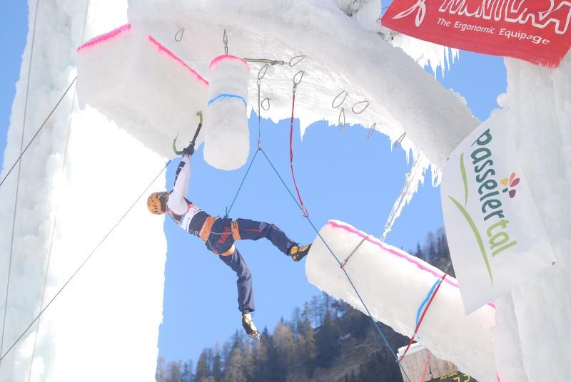 ICEFIGHT 2011: Markus Bendler schafft den Hattrick