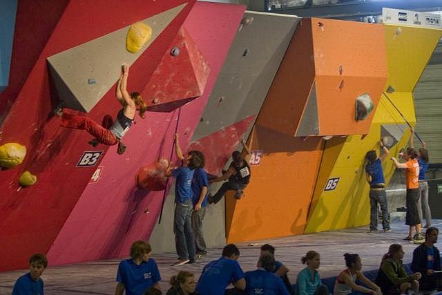 Finale des Boulderweltcups in Eindhoven (NL): DAV-Team scheitert in der Qualifikation