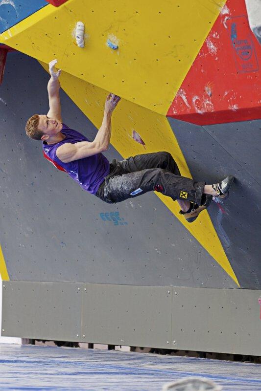 ÖWK-Sensation in China: Jakob Schubert gewinnt Boulderweltcupauftakt