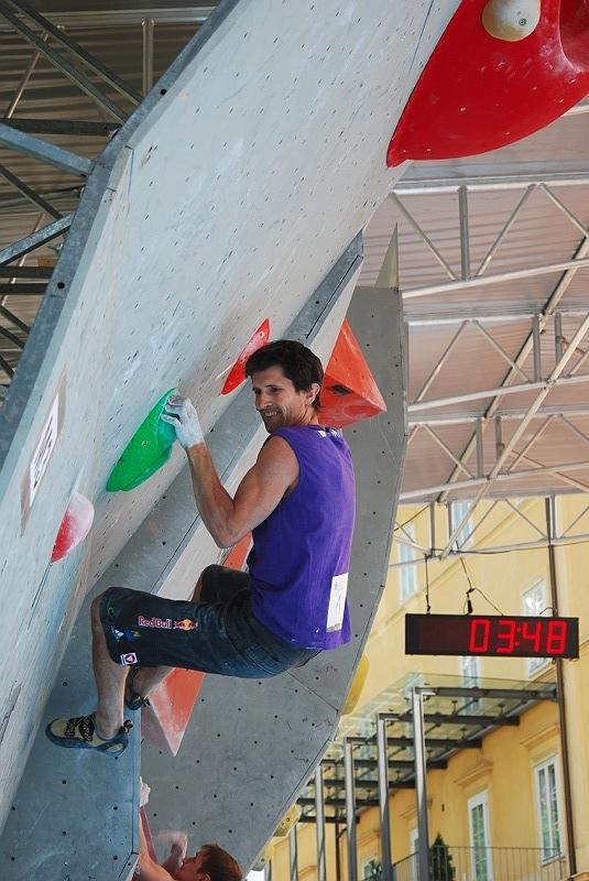 Anna Stöhr und Kilian Fischhuber triumphieren bei Heim-Boulderweltcup in Innsbruck