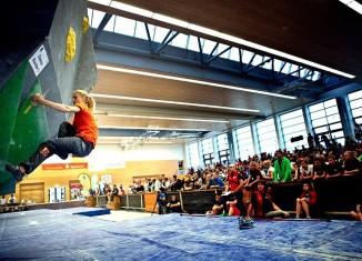 Deutscher Bouldercup 2013 in Auerbach: Monika Retschy und Thomas Tauporn gewinnen