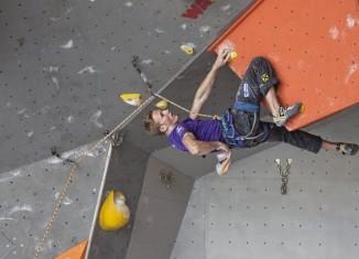 Lead Weltcup 2012 in Puurs: Podestplätze für Ernst und Röck - Rote Karte für Schubert