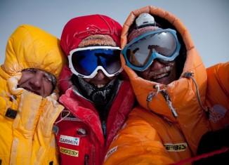 Simone Moro und Denis Urubko versuchen die Winterbegehung des Nanga Parbat