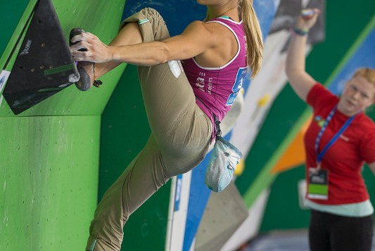 Österreichs Kletterelite kürt die Boulder-Staatsmeister 2013