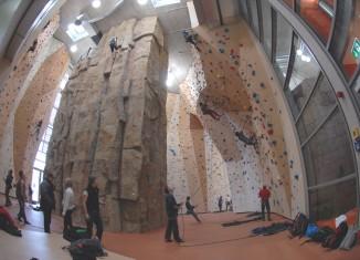 Frau stürzt in Münchner Kletterhalle tödlich ab