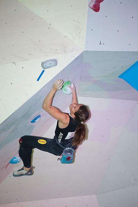 Gemischte Gefühle beim Boulder Weltcupauftakt für Team Austria