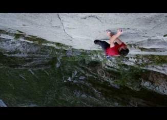 "[VIDEO] Alex Honnold free solo in ""El Sendero Luminoso"""
