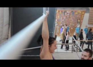 [VIDEO] Courtney Sanders trainiert verletzt