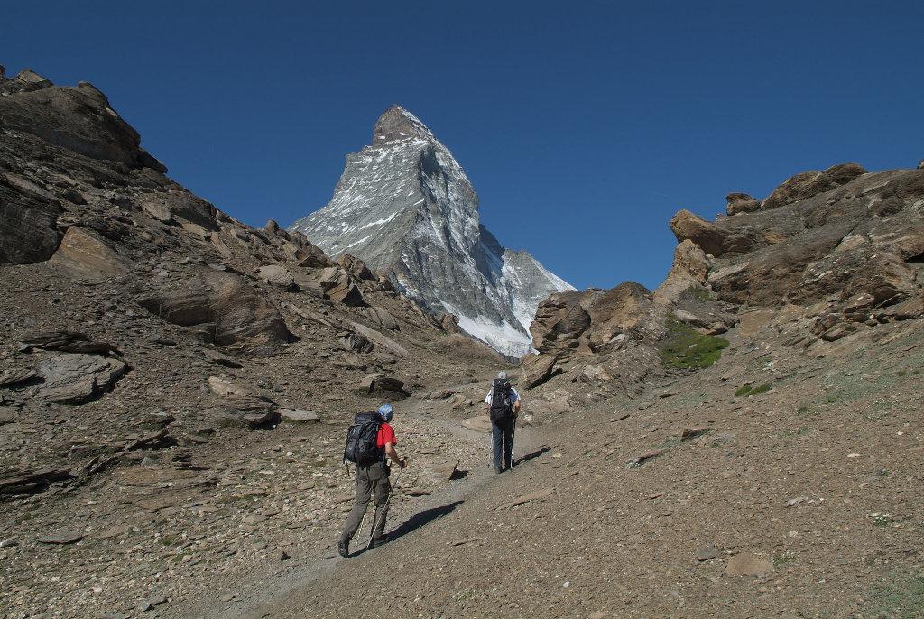 Kletterausrüstung Zermatt : Zermatt keine sherpas für wanderwegsanierung climbing