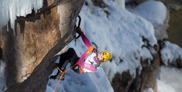 Angelika Rainer gewinnt beim Eiskletter-Weltcup in Ouray (c) Berghaus