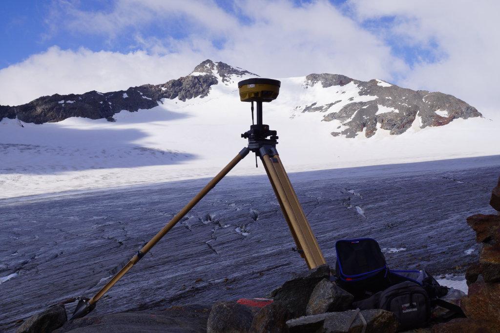 Die Einmessung der Gletscherzungen im Rofental mit differentiellem GPS (c) OeAV/A. Fischer