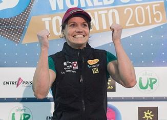Anna Stöhr beim Boulderweltcup 2015 in Toronto, Kanada (c) Elias Holzknecht