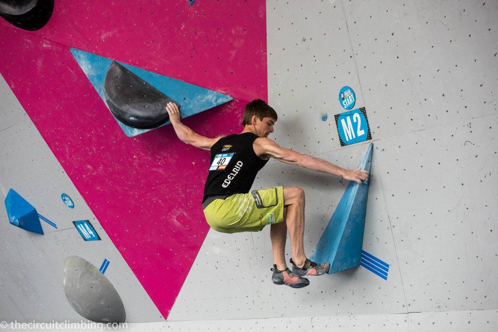 Jan Hojer beim Boulderweltcup 2015 in Vail (c) Thecircuitclimbing.com