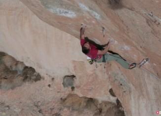 "Jonathan Siegrist Goes Full Project Mode On ""La Rambla"" (9a+/5.15a) (c) EpicTV"
