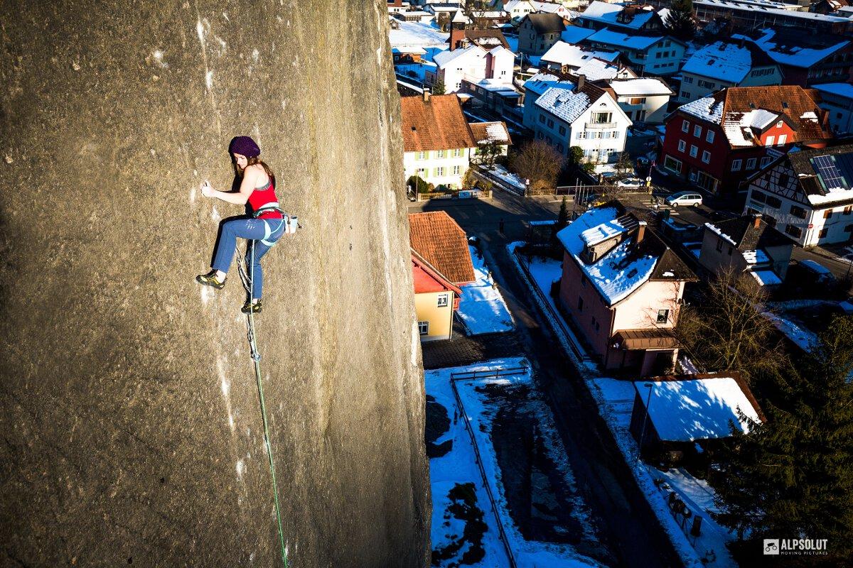 Barbara Zangerl klettert