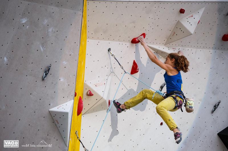 Kletterausrüstung Aachen : Deutscher leadcup 2015 in münchen: johanna holfeld und jan hojer