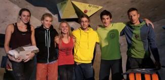 Gewinner von links nach rechts: Paula Traband 3. Platz, Claudia Brandt 2. Platz, Roxana Wienand 1. Platz, Tassilo Hufnagel 1. Platz, Samuel Faulstich 3. Platz, Tomasz Oleksy 2. Platz (c) Dynochrom Boulderhalle