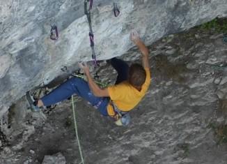 "Alex Megos in ""Modified"" (9a+) in the Frankenjura (c) Tenaya Climbing"