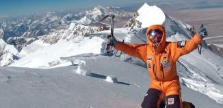 Simone Moro auf dem Gipfel des Shisha Pangma. (c) Archiv Simone Moro