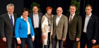 Das neue Präsidium mit (von links) Präsident Josef Klenner und den Vizepräsidentinnen und Vizepräsidenten Burgi Beste, Rudolf Erlacher, Melanie Grimm, Jürgen Epple, Roland Stierle und Philipp Sausmikat. (c) DAV