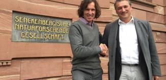 Stefan Glowacz und Dr. Martin Cepek, Leiter des Stabs Zentrale Museumsentwicklung der Senckenberg Gesellschaft für Naturforschung (c) Archiv Glowacz