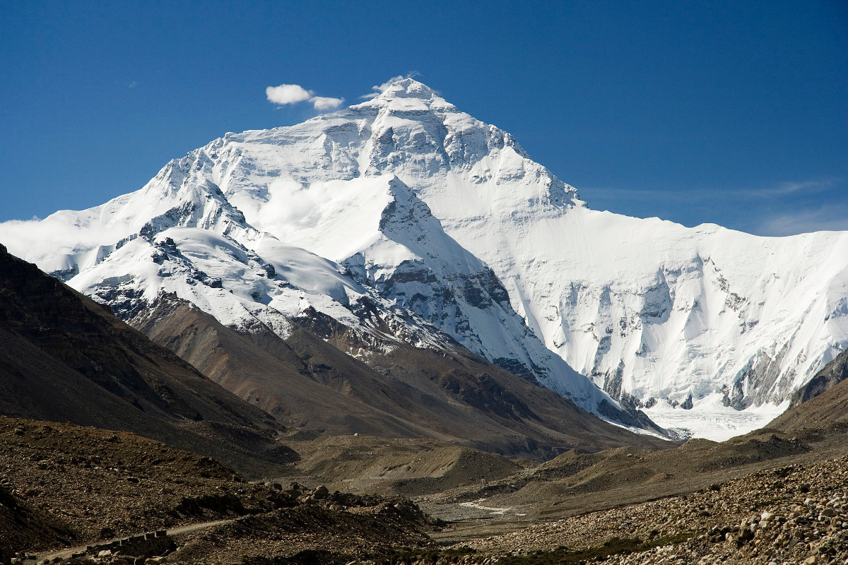 Everest North Face toward base camp (c) Luca Galuzzi (www.galuzzi.it)