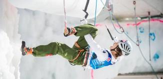 Hee Yong Park bei den Eiskletterweltmeisterschaften 2015 in Rabenstein (c) Harald Wisthaler