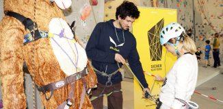 Die Aktion 'Sicher Klettern' des Alpenvereins mit kostenlosen Workshops für Kletterer tourt durch Österreich (c) ÖAV